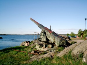 Suomenlinna_gun_small